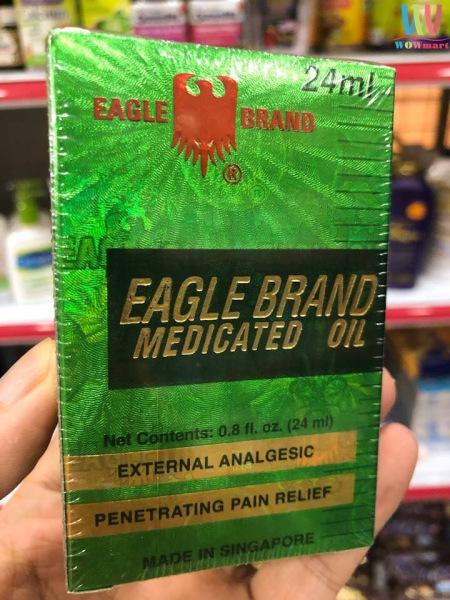 Dầu gió Xanh 1 nắp hiệu Con Ó Singapore- Eagle Brand Medicated Oil, xoa dịu cơn đau hiệu quả, nhanh chóng.
