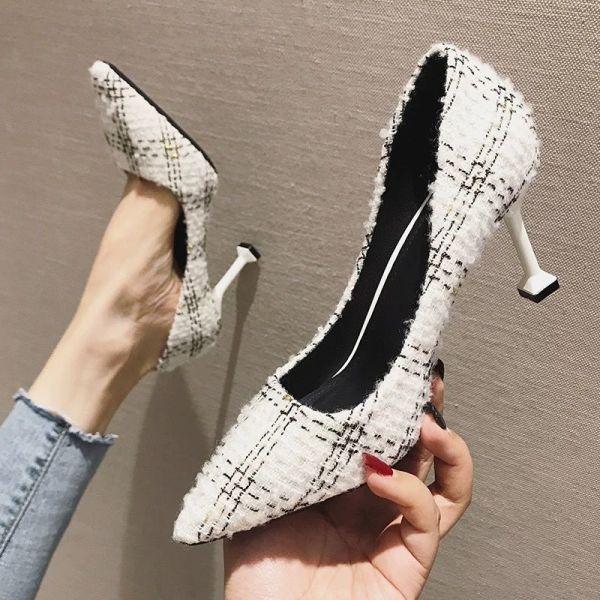 Giá bán 2020 new mùa xuân và mùa thu tất cả phù hợp sexy màu đen mũi nhọn gót nhọn gót mèo giày đơn lưới màu đỏ cô gái Pháp cao gót