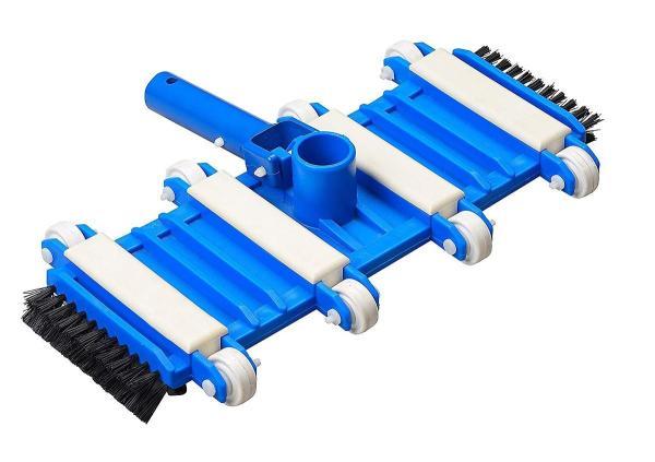 Bàn hút đáy vệ sinh hồ bơi 8 bánh xe và chổi cọ ở dưới đáy và 2 bên hông dài 35cm  là 1 trong 5 sản phẩm thiết yếu trong bộ thiết bị vệ sinh bể bơi