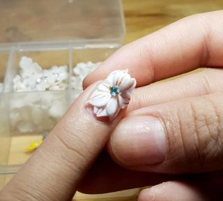 Hoa nổi 4D ,Fantasy HN012 set 2 hoa theo màu. Sản phẩm trang trí móng , vẽ nổi, Nail desige , hoa vẽ nổi. Hoa dễ bẻ from móng(hàng vẽ tay không đổ khuôn ) thumbnail