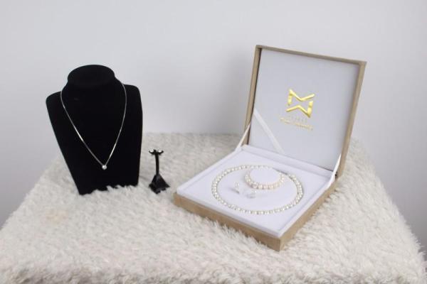Bộ ngọc trai Vaadoo sang trọng quý phái giá ưu đãi tặng kèm 1 bộ trang sức bạc cao cấp - V01111