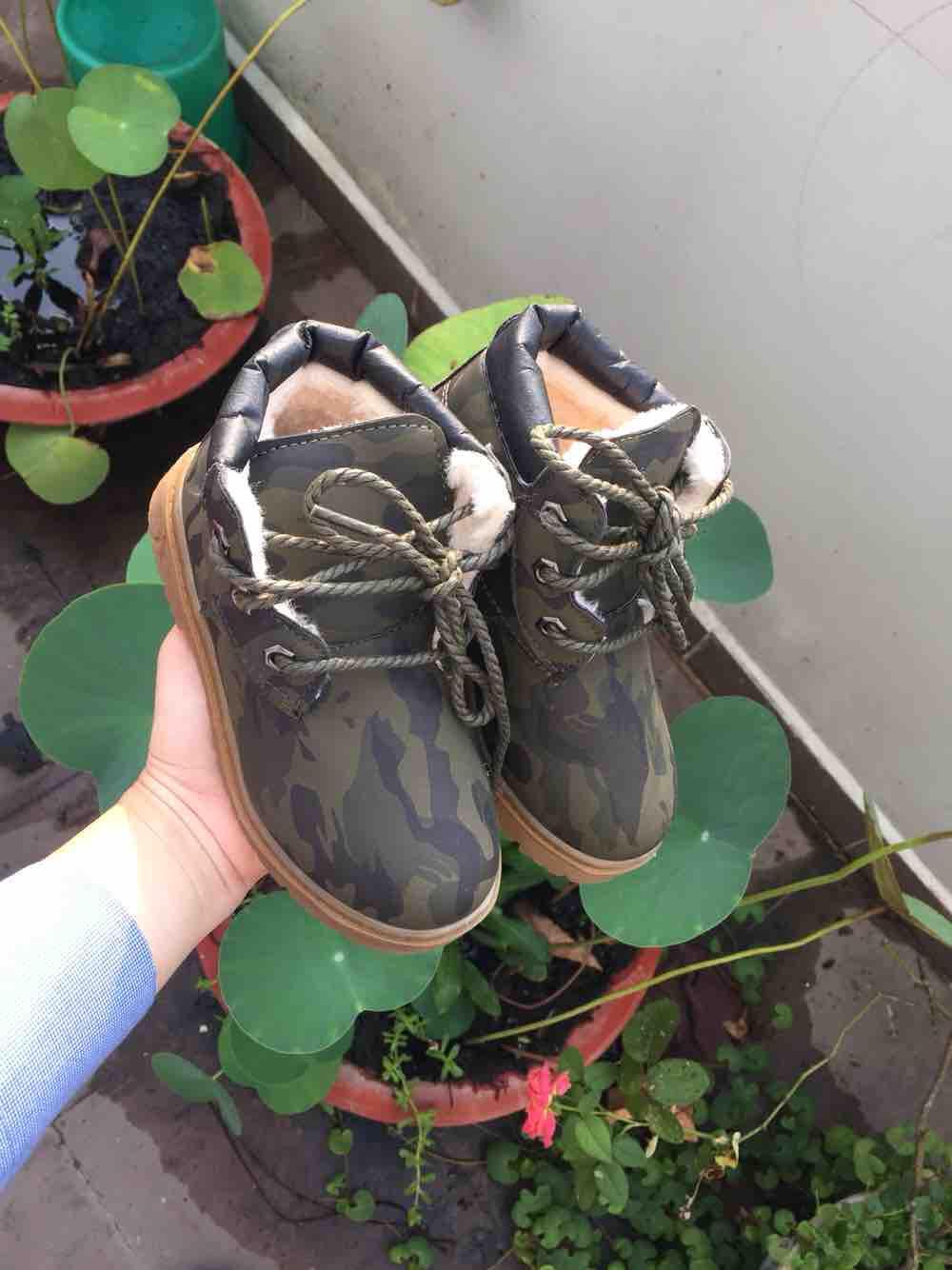 Giày da lộn cho bé trai 3-4 tuổi size 30