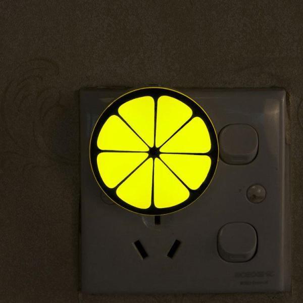 Đèn ngủ cảm biến ánh sáng tự động tắt mở hình quả cam (Vàng)