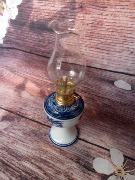 Đèn dầu gốm sứ đủ bộ loại vừa D8 cm, bóng ngắn