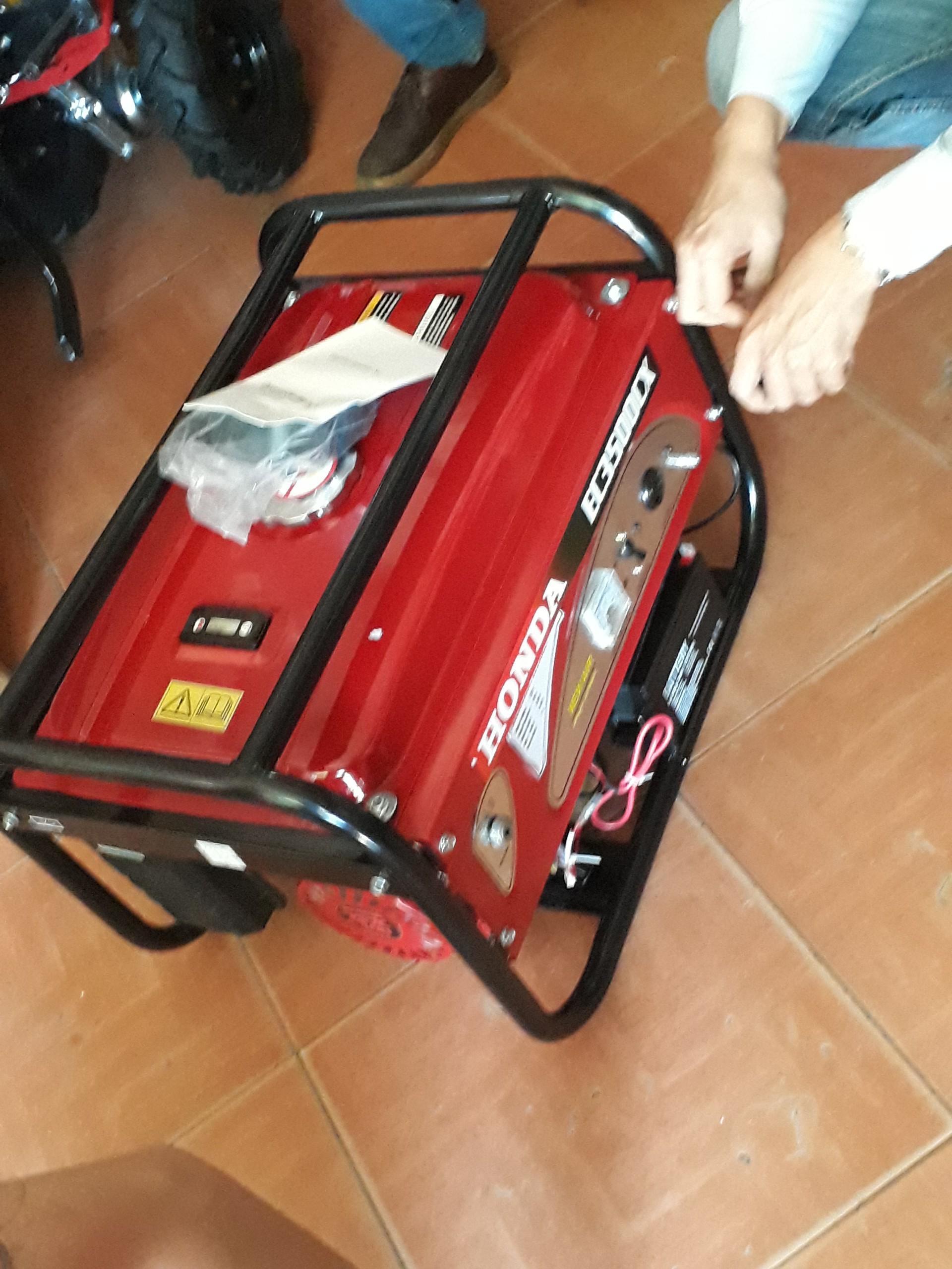 Máy phát điện dùng cho gia đình Honda EC3500CX đề nổ, tiết kiệm nhiên liệu