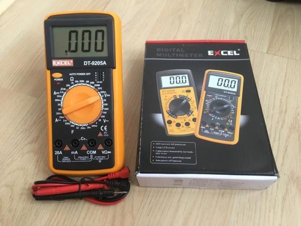 Đồng hồ đo điện - điện tử dành cho kỹ thuật EXCEL DT9205A (Đen phối vàng)