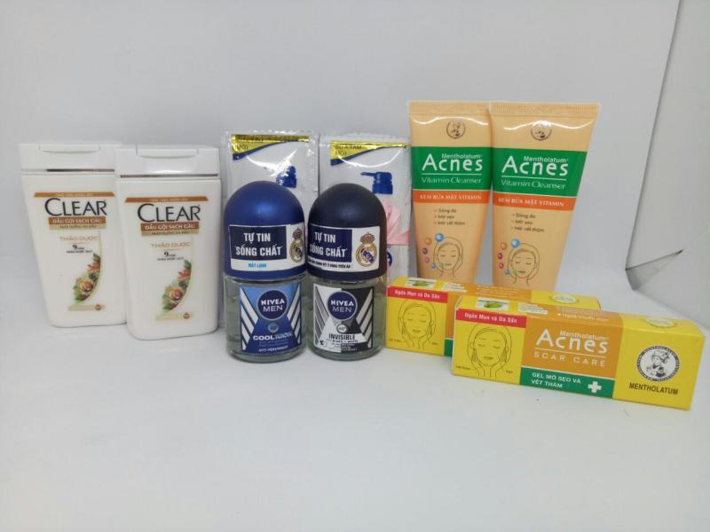 Trọn bộ 8 món - Tặng thêm 20 gói sữa tắm Dove : 2tuýt sữa rửa mặt Acnet + 2chai dầu gội Clear + 2chai lăn khử mùi Nivea + 2 Gell Acnet trị mụn + kèm thêm 1 túi đựng xinh xắn nhập khẩu