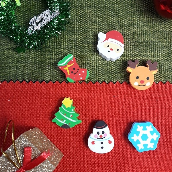 Mua Combo 6 Cục Gôm Tẩy Chủ Đề Giáng Sinh