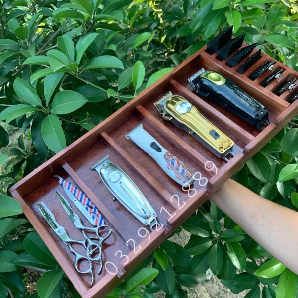 khay gỗ đựng tông đơ, dụng cụ làm tóc-để tông đơ-kéo cắt tóc-dao cạo-cữ tông đơ-dụng cụ làm tóc ptc
