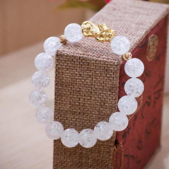 Vòng Tay Nữ Tuyết Thạch Anh 10 Ly Mix Tỳ Hưu Mạ Vàng Nhật Bản