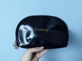 Túi đựng mỹ phẩm Laneige. thời thượng (Đen) thumbnail