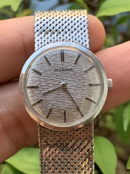 Đồng hồ nữ JUVENIA của Thụy Sĩ