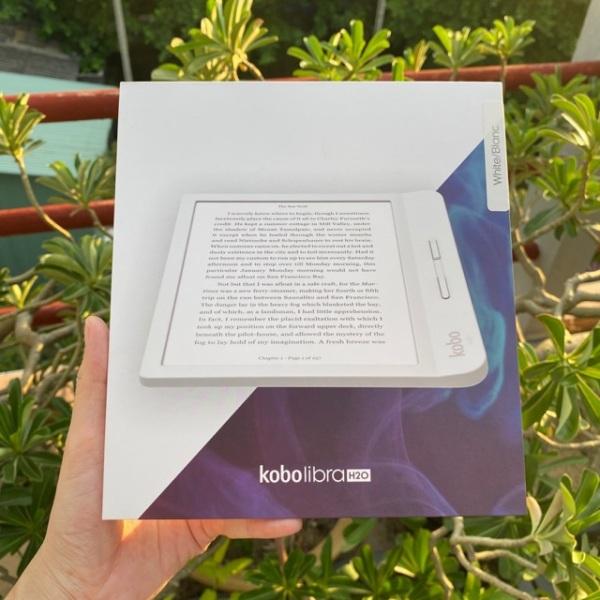 [HCM][Trả góp 0%]Máy đọc sách Kobo Libra H20 nguyên seal màu trắng sản phẩm tốt độ bền cao cam kết sản phẩm nhận được như hình và mô tả