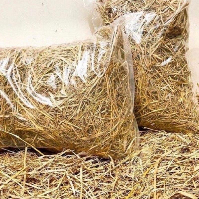 500 gram ( nửa kí rất nhiều ) rơm khô. Dùng để trồng cây, ủ nấm, hoặc làm thức ăn cho thỏ bọ