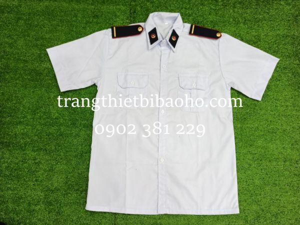 Áo bảo vệ màu trắng kèm cầu vai sao đồng gạch đồng + ve áo - hình thật hàng sẵn