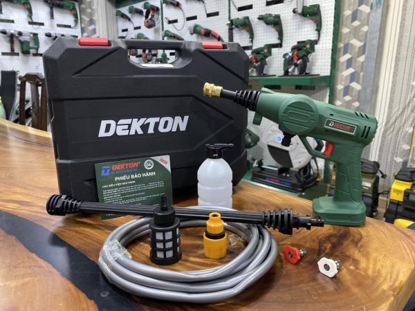 [HCM]Thân máy rửa xe sử dụng pin DEKTON M21- CW4000 (không kèm pin sạc) chân pin Makita