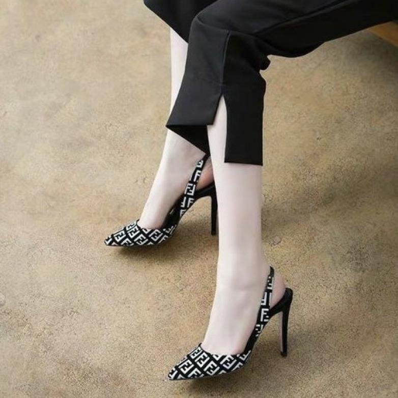 Giày cao gót hoạ tiết FF 9 phân bao sang chảnh giá rẻ