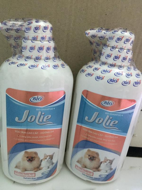 Sữa tắm dưỡng da, lông siêu mượt, khử mùi hôi chó, mèo BIO JOLIE 500ml