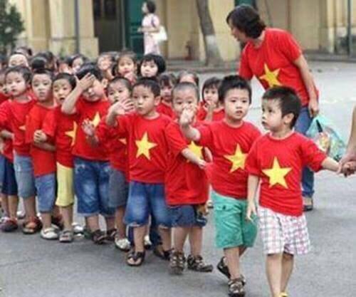 [PHUONGEMYBOUTIQUE] Áo Cờ Đỏ Sao Vàng Cho Bé Đủ Size Và Bảng Size Đi Cùng N52551