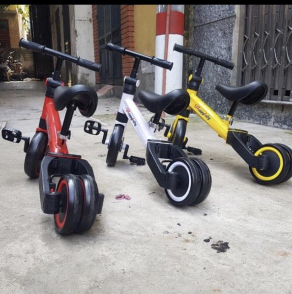 Giá bán xe chòi chân thăng bằng đa năng cho bé có bàn đạp