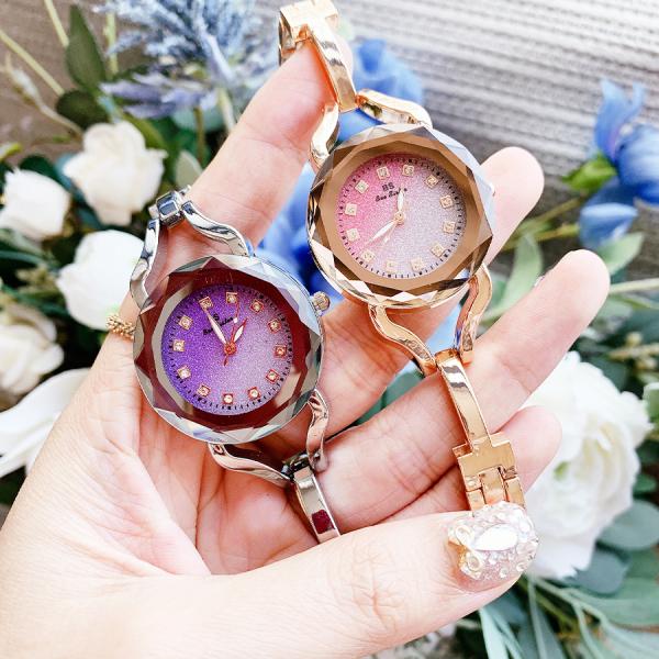 Đồng hồ nữ DYOSS & XBEAUTY mặt kính 3D kim tuyến, mặt đồng hồ đính đá, thiết kế trẻ trung, sang trọng. Đồng hồ nữ đẹp, thời trang, cá tính. bán chạy