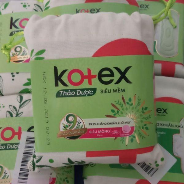 (Tặng hộp khăn ướt huggies) Combo10goi (40mieng)băng vệ sinh kotex thảo dược mát lạnh siêu mỏng cánh giá rẻ