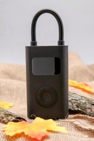 Thiết bị bơm hơi di động đa năng Xiaom i Mi Portable Electric Air Compressor - Pin 2000 mAh l Cổng sạc micro USB l Sạc đầy trong 3h l Bơm hơi lốp xe đạp, moto, oto; bóng; hồ bơi mini l GNTeks Store