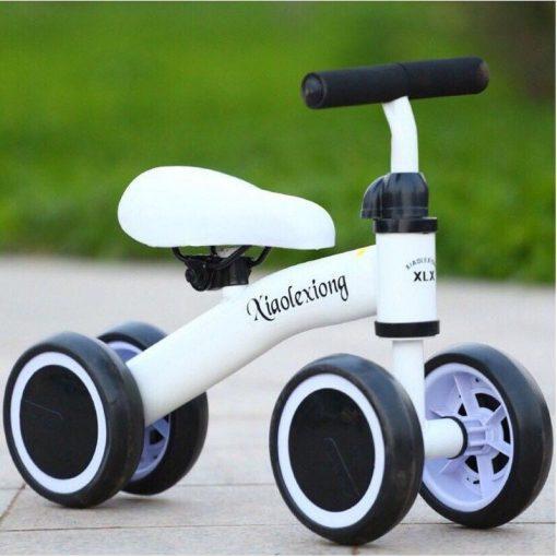 Xe chòi chân thăng bằng 4 bánh cho bé Xiaolexiong