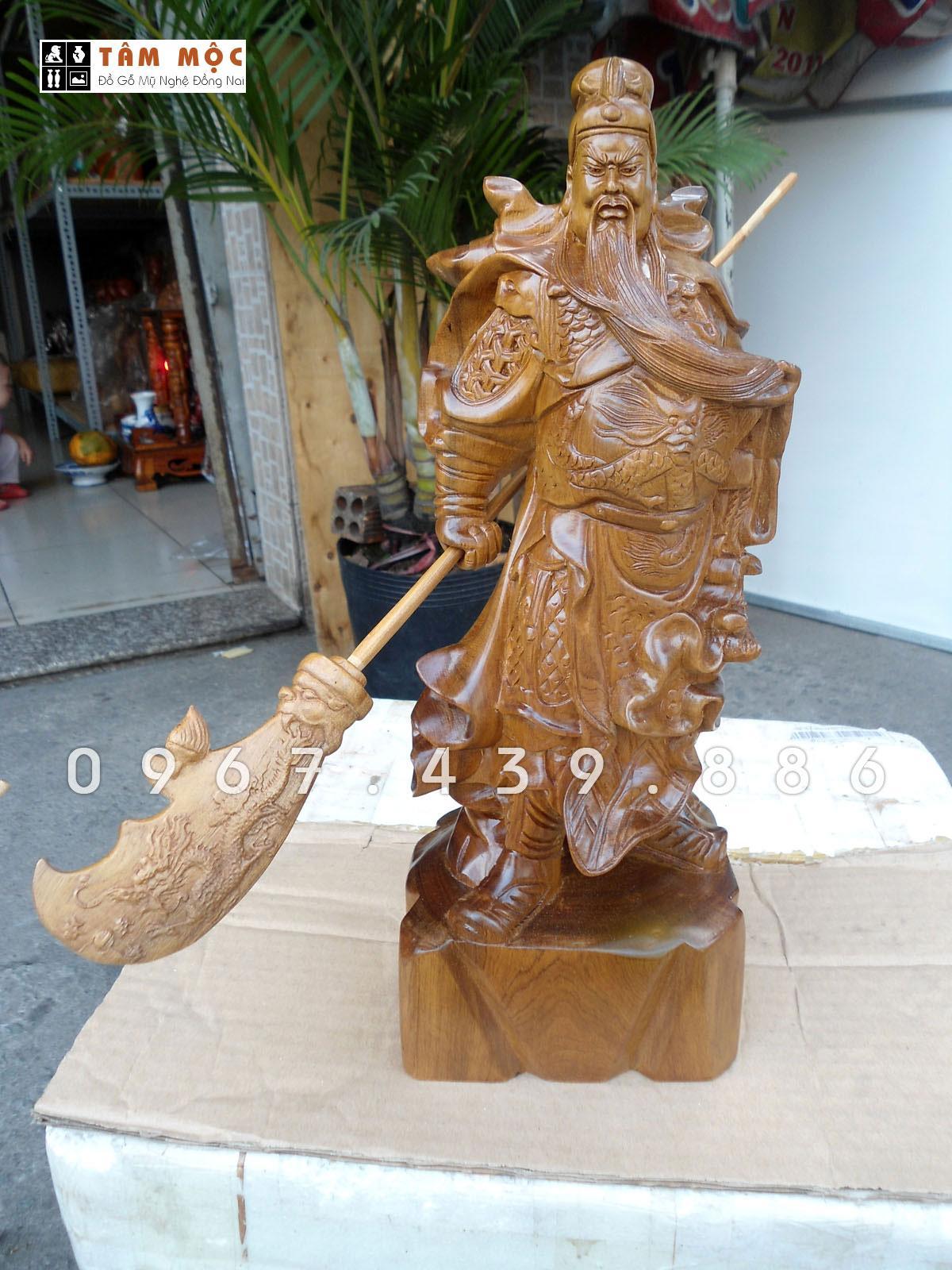 Mua Tượng gỗ Quan Công vuốt râu gỗ bách xanh cao 40cm