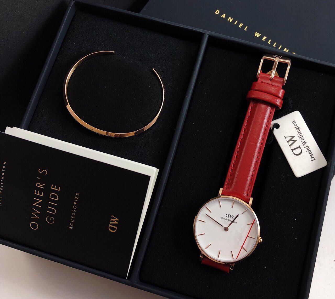 Đồng hồ nữ Daniel Wellington Classic - 32 mm + kèm vòng bán chạy