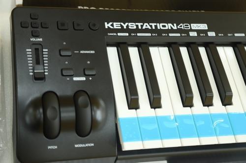 Thiết bị Midi Controller KeyStation 49MK3