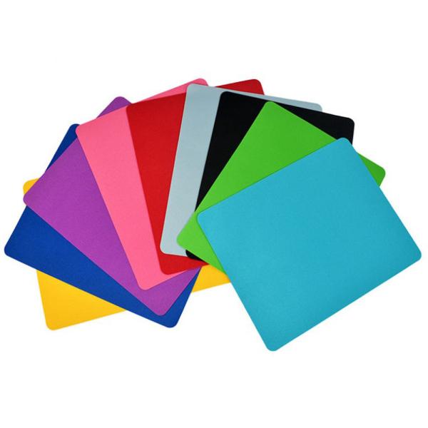 Bảng giá Lót chuột / Bàn di chuột chất liệu cao su mềm cao cấp, nhiều màu sắc, kích thước 22x18cm Phong Vũ