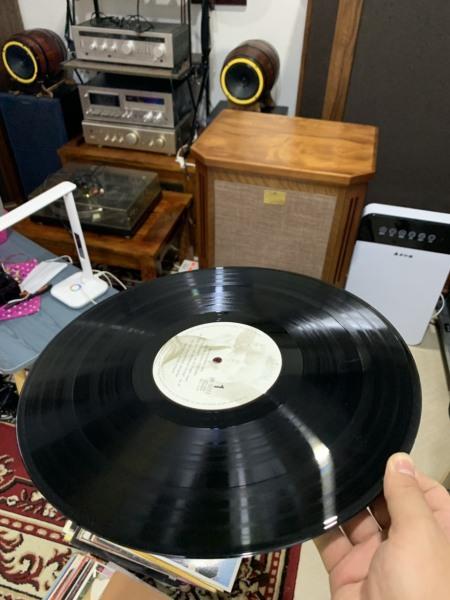 Đĩa than, đĩa LP , vinyl mâm than phono audio nhạc tổng hợp pop , lovesong rock , nhạc giao hưởng , nhạc đồng quê likenew