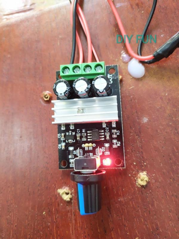 Điều tốc điện áp 6-28v 3A có nhôm tản nhiệt