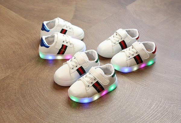 Giày thể thao Thời Trang cho bé trai và bé gái có đèn LED
