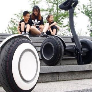 Xe điện cân bằng 6.5inch, xe tự cân bằng blutooth, có loa, đèn led, tặng kèm đồ bảo hộ thumbnail