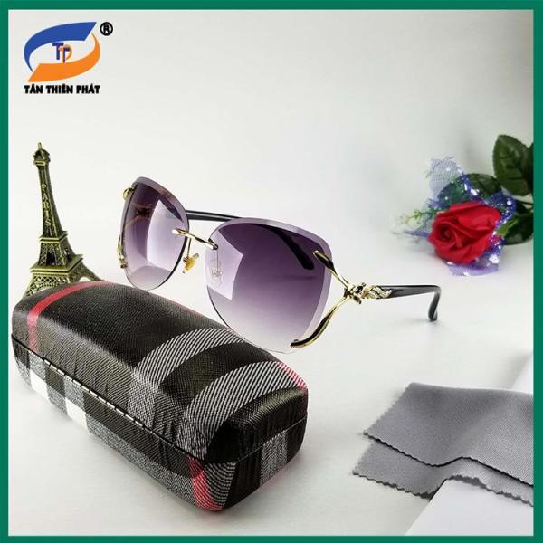 Giá bán Mắt kính nữ ốc không viền màu đen khói - Kính chống nắng, chống tia UV. Form kính ôm mặt