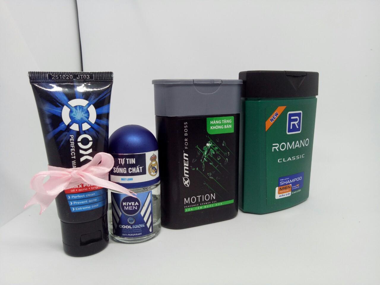 Trọn bộ 4 món dành cho nam giới : 1chai Sữa tắm hương nước hoa Xmen + 1chai Dầu Gội Cao Cấp Cho Nam Romano Classic + 1chai Lăn khử mùi Nivea + Tặng 1tuýt sữa rửa mặt oxy & 1 túi đựng mỹ phẩm chính hãng