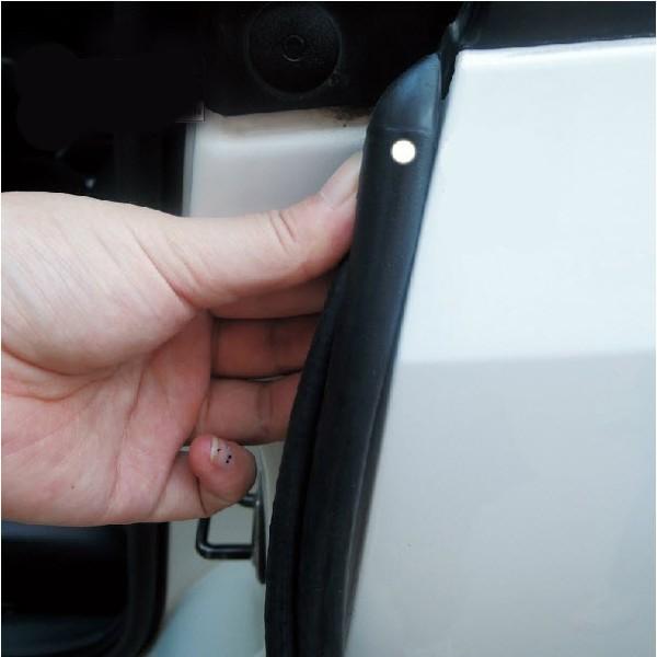 [HCM] Gioăng cao su chống ồn cho xe ô tô, Gioăng cột B kẹp cánh cửa ô tô,gioăng lõi thép -gồm 2 sợi 2 bên cánh cửa,dễ dàng lắp đặt,làm khít thêm 2 cánh cửa đằng trước và đằng sau tiếp xúc với nhau,mang lại tiếng đóng cửa êm tai