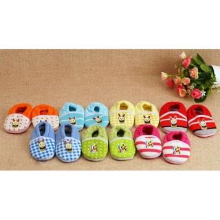 Giày tập đi -Set 2 đôi giày vải đính chuột sọc tập đi cho bé ( dưới 8kg) thumbnail
