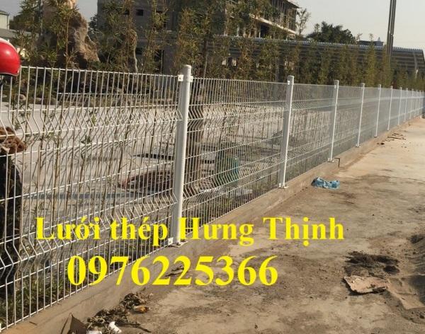 Hàng rào lưới thép D5 A50x200 chấn sóng