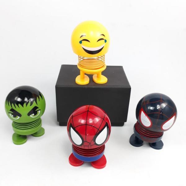 (HOT)Thú Nhún Emoji Con Lắc Lò Xo - Emoji Biệt Đội Siêu Anh Hùng - Emoji Hình Con Vật Đáng Yêu, Đồ Chơi Giảm Stress, Emoji Lò Xo Ngộ Nghĩnh, Đồ Chơi Tiêu Khiển, Trang Trí Xe Hơi - Giao Màu Ngẫu Nhiên - thegioisile4