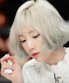 Combo Thuốc nhuộm Màu tóc trắng bạch kim + Oxy + Bột Tẩy thumbnail