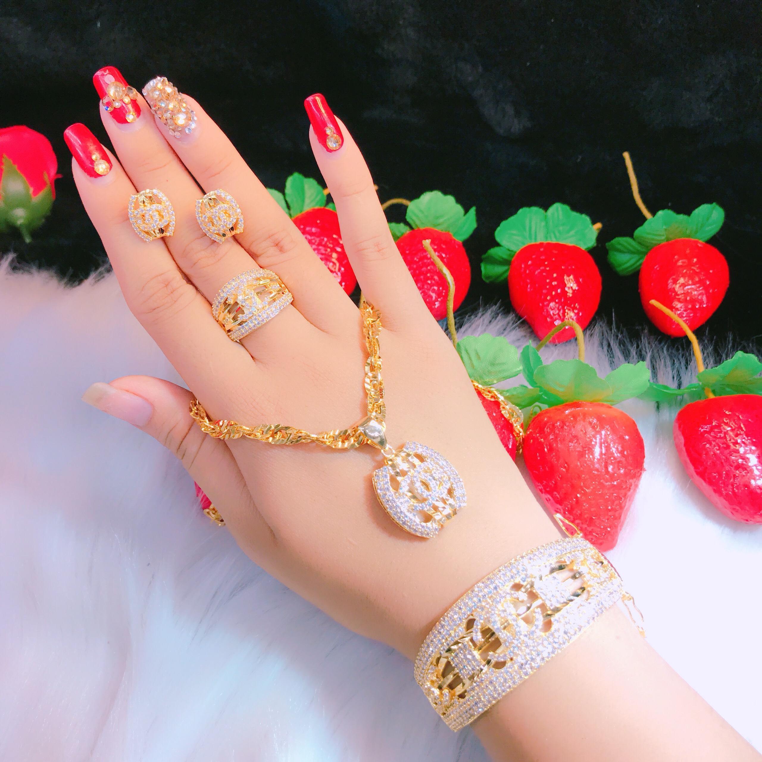 Bộ Trang Sức Chanell Cao Cấp - Givi shop - B40707147 , Bền Màu, Chất Liệu Bạc Thái, Không Đen, Không Ngứa - Thiết Kế Đi Tiệc, bộ trang sức vàng trắng đẹp, giá vàng trang sức, bộ trang sức vàng đẹp, những bộ trang sức vàng đẹp, bộ nữ tra