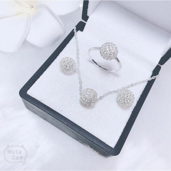 Bộ trang sức bạc ta mặt cầu đính đá trẻ trung 3 món dây chuyền- nhẫn- bông tai, chất liệu cao cấp, các họa tiết sắc sảo, thiết kế đa dạng phong phú, mẫu mã mới bắt kịp xu hướng