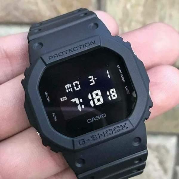 Đồng hồ nam Casio GSHOCK DW-5600BB-1DR  Dây cao su mặt kính chống nước hiện thị ANALOG chính hãng bán chạy