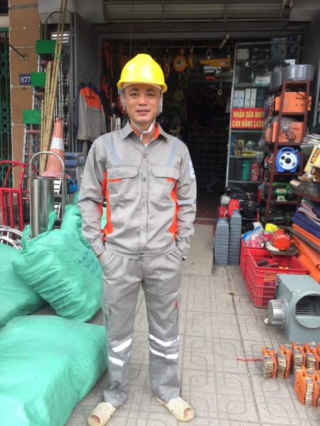 Quần áo bảo hộ lao động size 5 cho người từ 45-55kg. Quần áo điện lực chất đẹp không xù