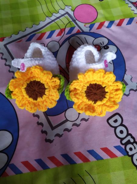 Giày len cho bé 0-12 tháng - hoa hướng dương giá rẻ