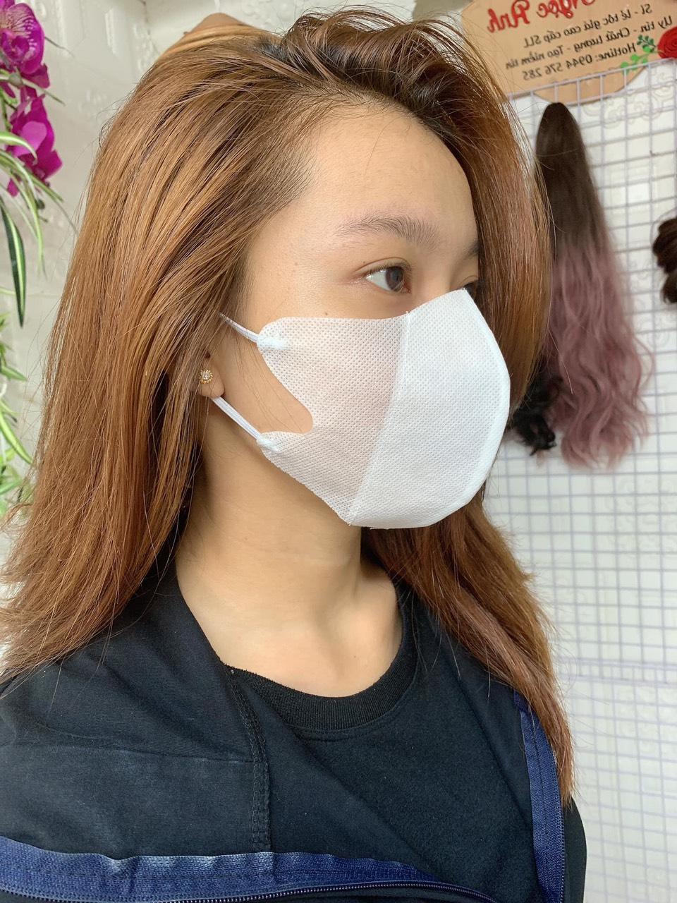 50 cái Khẩu trang vải không dệt cao cấp( vải y tế) kháng khuẩn 3 lớp- tái sử dụng được 3,4 lần.