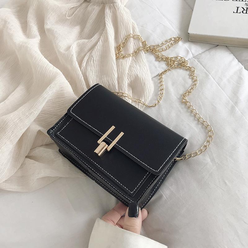Túi xách nữ trẻ trung phối màu đẹp thiết kế khóa chữ...